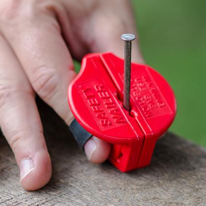 Fingerskydd för spikning