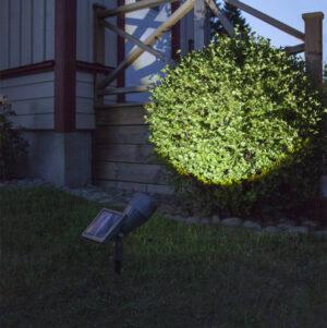 Solcellsladdad trädgårdsspotlight