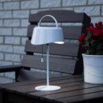 Solcellsladdad bordslampa