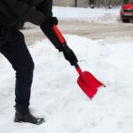 Hopfällbar snöskyffel